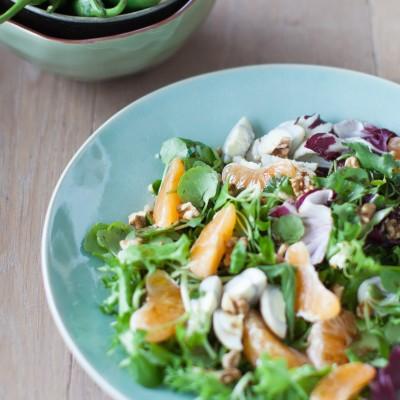 Salada Primavera de clementinas, nozes e ovos de codorniz