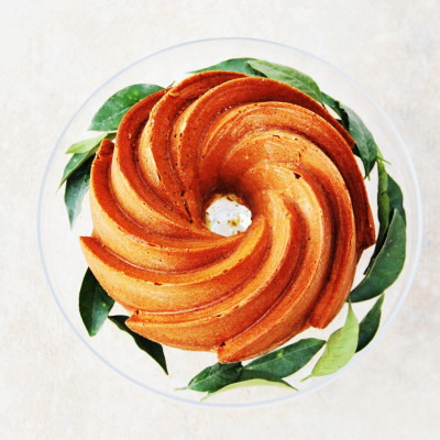 Bolo de laranja com sementes de papoila