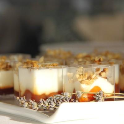 Delícia de mascarpone com compota pêssego e noz