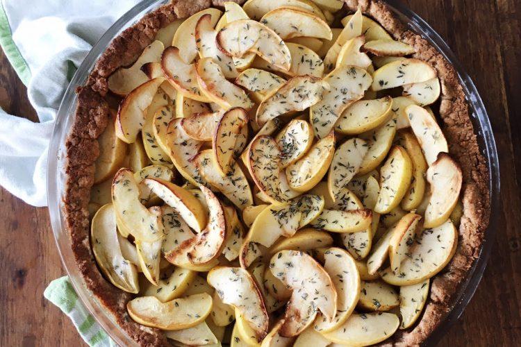 Tarte de maçã verde com especiarias e tomilho limão