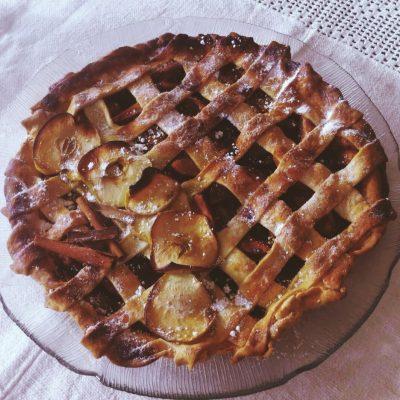 Tarte de maçã perfumada com canela e tomilho-limão